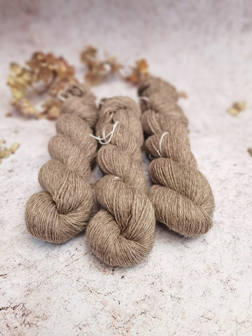 Light Brown Natural Yarn litlg